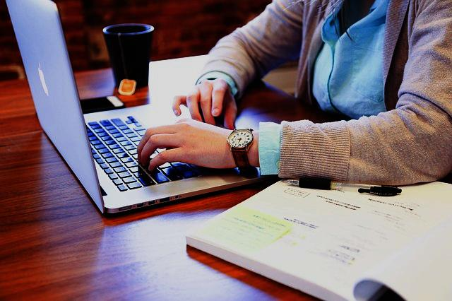 10 Ways to Earn Money Online from Home Without Investment